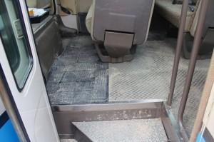 マイクロバス 車内清掃