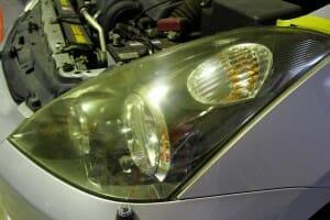 ヘッドライト磨き レンズの黄ばみ取り|イプサム