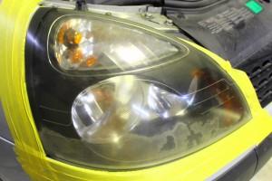 ヘッドライト黄ばみ取り施工前