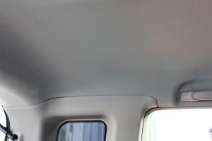 車内の天井クリーニング