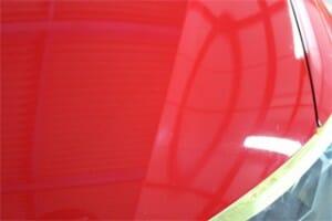 赤い塗装のくすみ 色あせを軽研磨