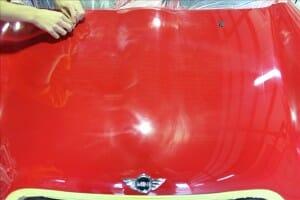 板金塗装後の バフ目 磨き傷消し BMW MINI 赤