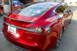 液体ガラスコーティングをテスラ(Tesla Model S)へ施工1